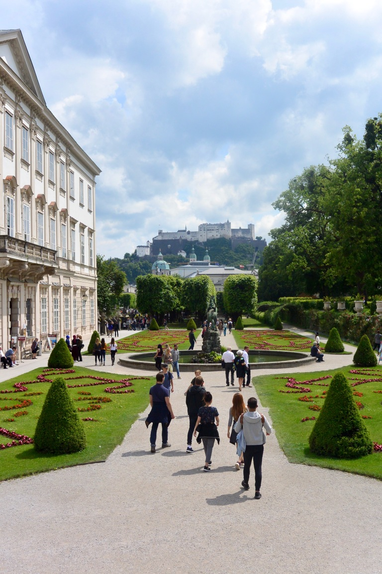 Schloss-Mirabell-Garten-Salzburg-Mai